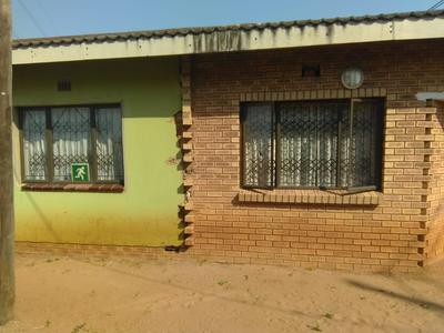 Property For Sale in Umlazi V, Umlazi