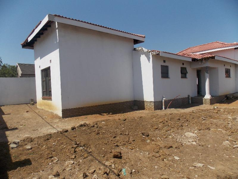 Property For Sale in Ulundi D, Ulundi 4