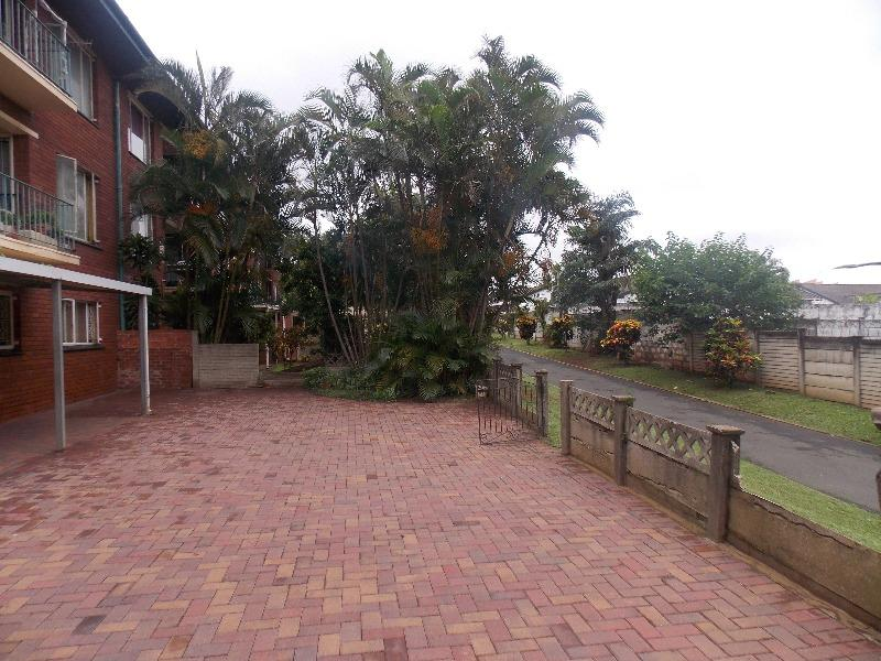 Property For Rent in Montclair, Durban 11