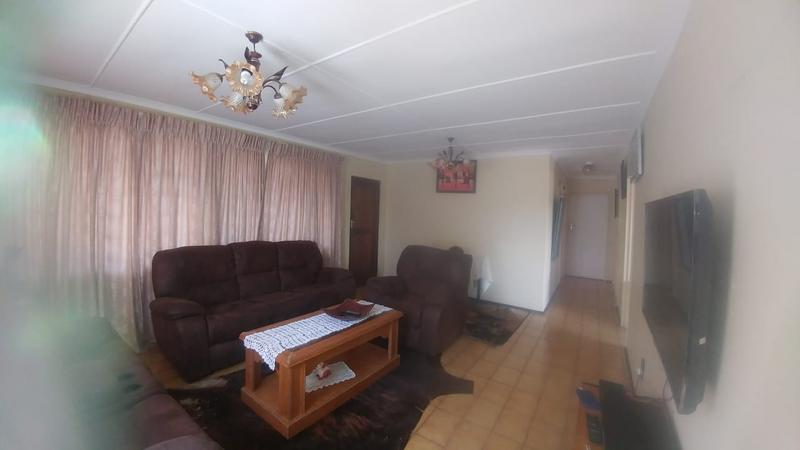 Property For Sale in Ntuzuma C, Ntuzuma 9