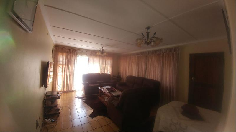 Property For Sale in Ntuzuma C, Ntuzuma 10