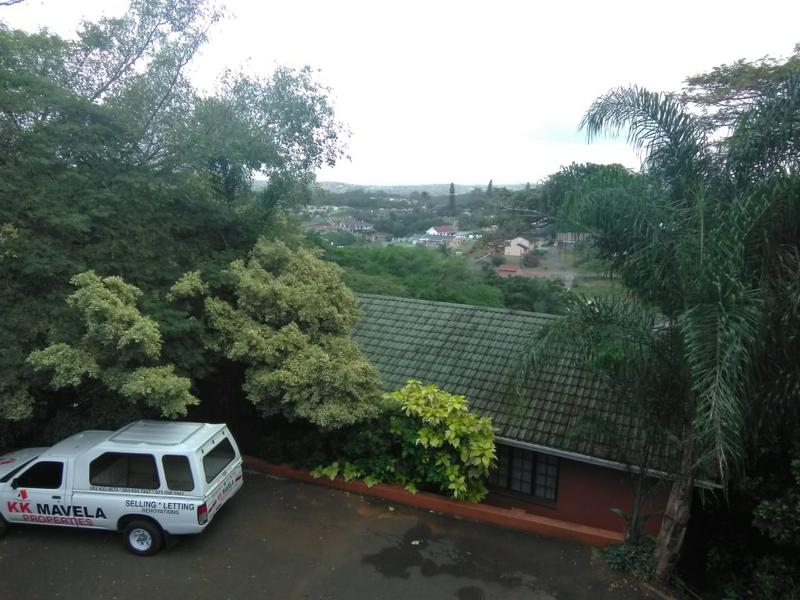 Property For Sale in Amanzimtoti, Amanzimtoti 13