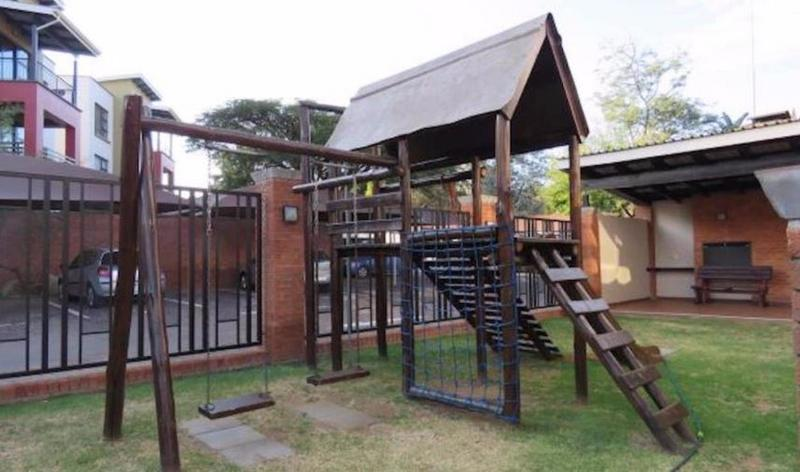 Property For Rent in Douglasdale, Sandton 13